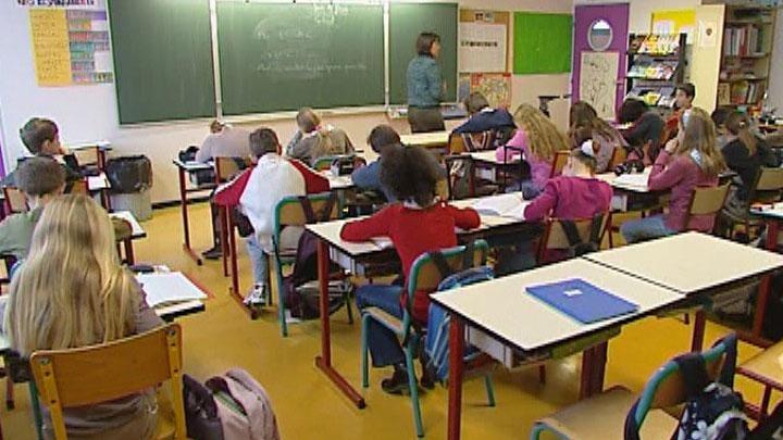 http://www.aid97400.lautre.net/IMG/jpg/BaseElevesClasse.jpg